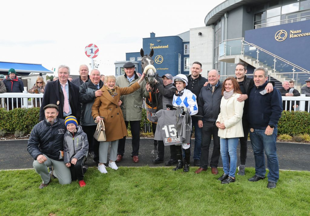 Naas Sun 20 October 2019 Lustown Baba with The Back Road Syndicate, Willie McCreery and Leigh Roche after winning The Foran Equine Irish EBF Auction Race Final Photo.carolinenorris.ie